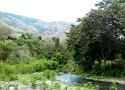 Rivière et montagne du village de Portugal