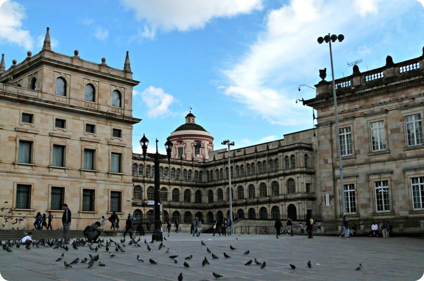 Colegio Mayor de San Bartolomé en la plaza Bolívar de Bogotá