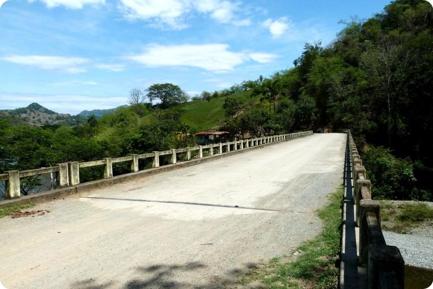 Puente en la ruta entre Manizales y Aguadas