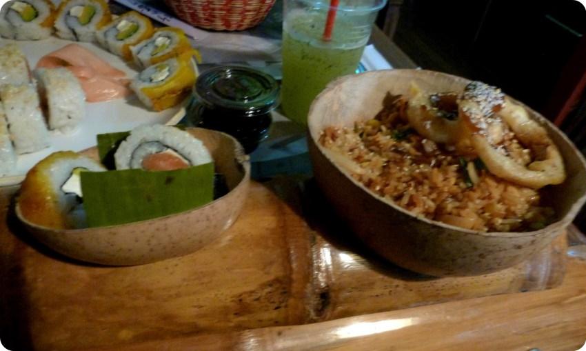 Plato que Charles pidió en el restaurante de sushis Totuma Corrida en el barrio de la Candelaria en Bogotá