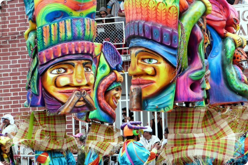 personnages indiens au carnaval de Pasto