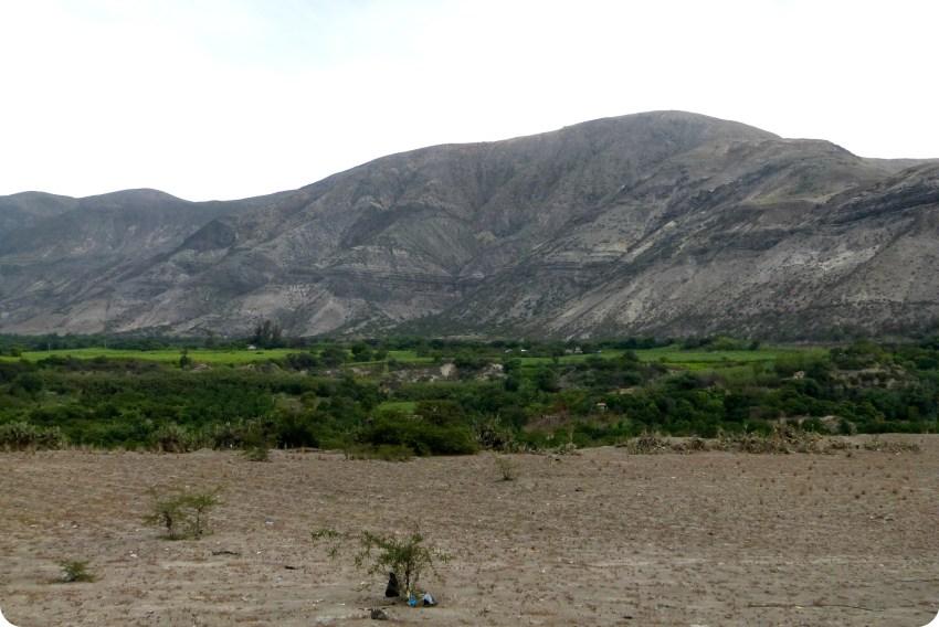 paisaje de montaña en la ruta entre Tulcán e Ibarra