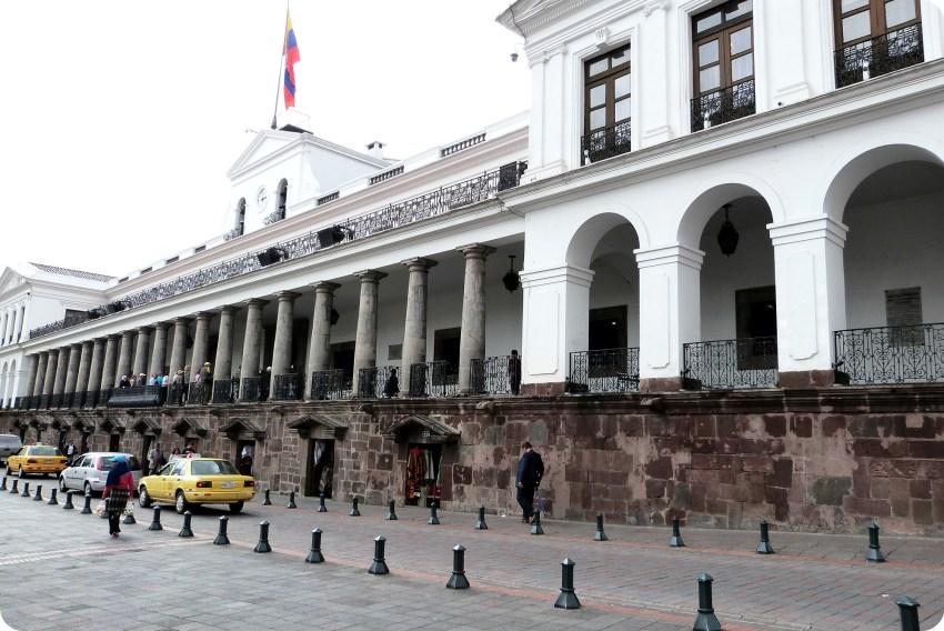Palacio Presidencial de Quito depuis la Plaza Grande