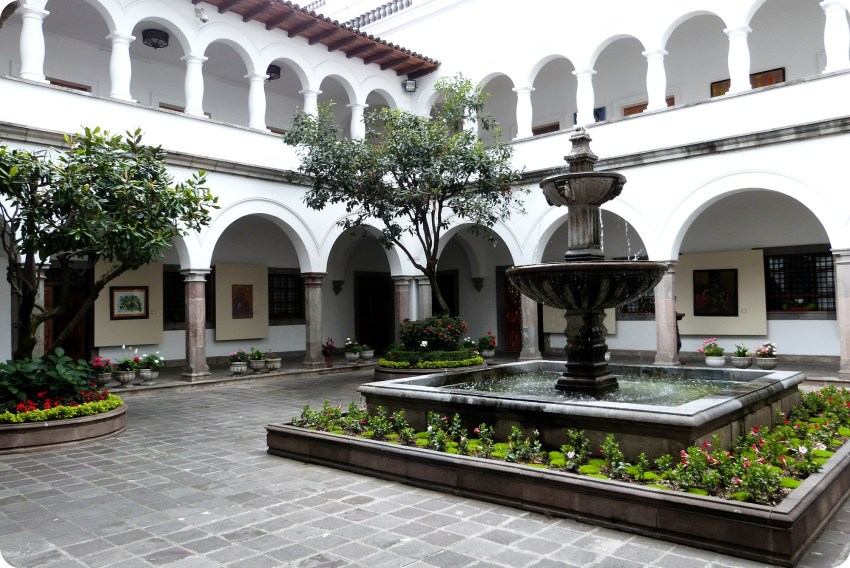 patio del Palacio Presidencial de Quito