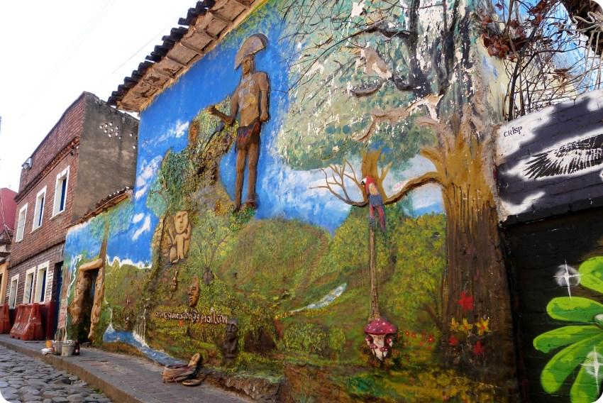 fresque de street art dans le quartier de la Candelaria de Bogotá