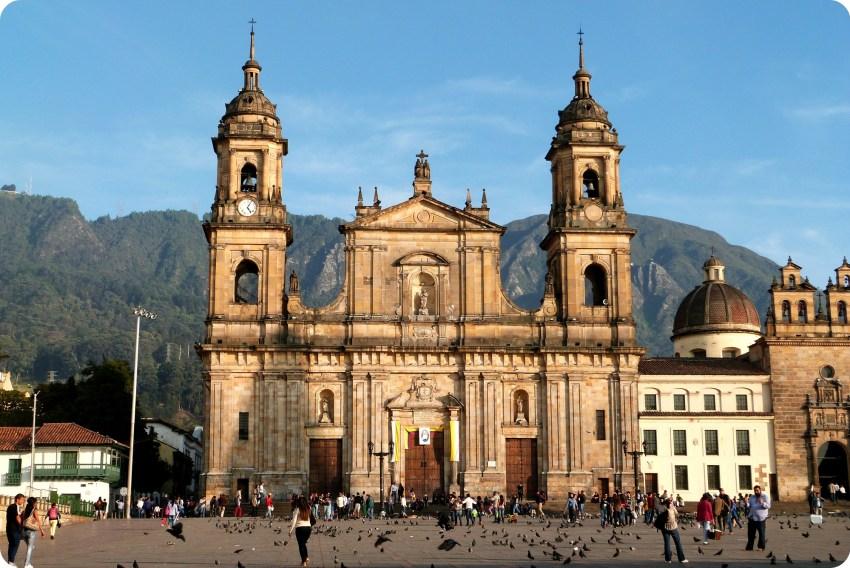 Catedral de Bogotá en la Plaza Bolivar
