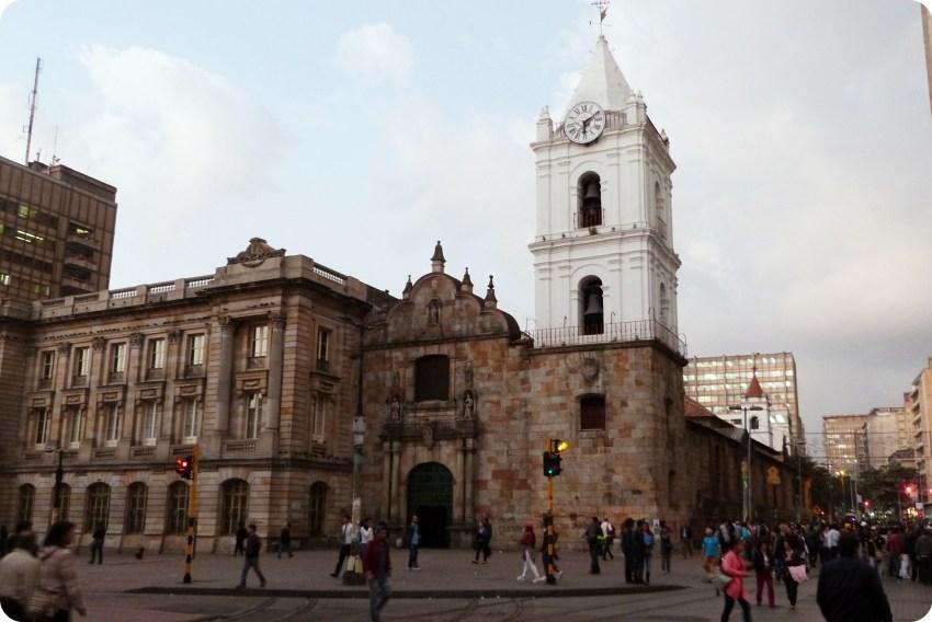 Eglise San Francisco sur la septima dans le centre historique de Bogotá