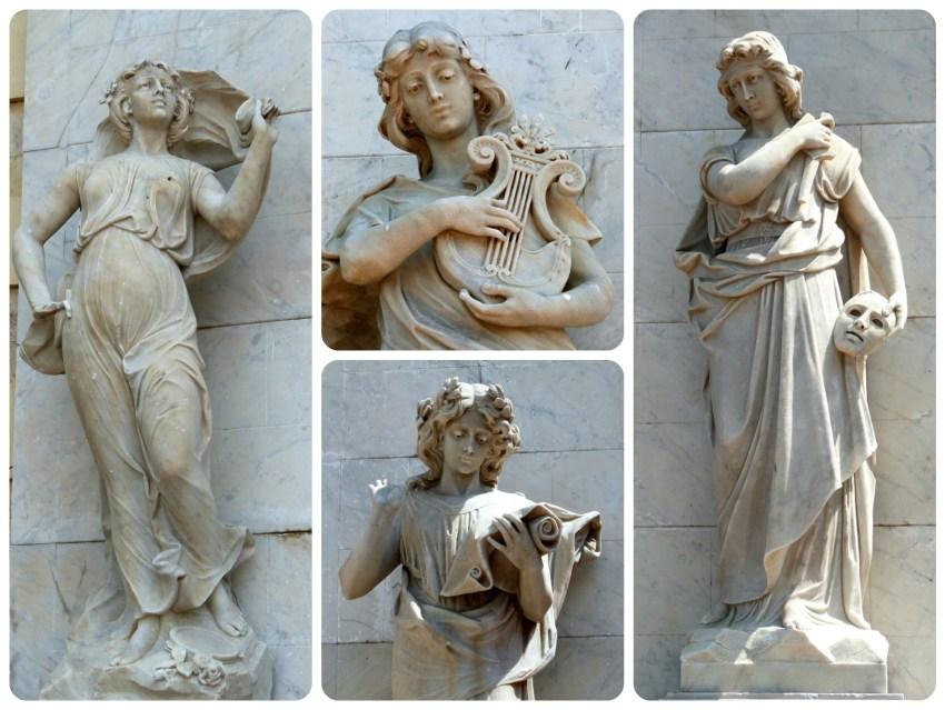 4 statues représentées sur le théâtre Heredia de Carthagène
