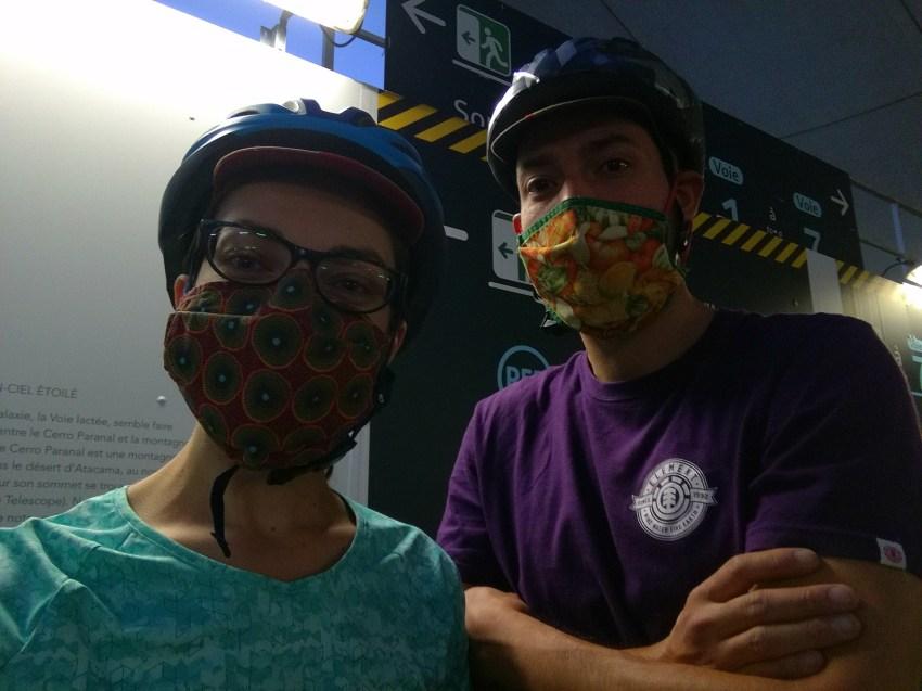 nous deux avec nos masques gare austerlitz départ voyage vélo