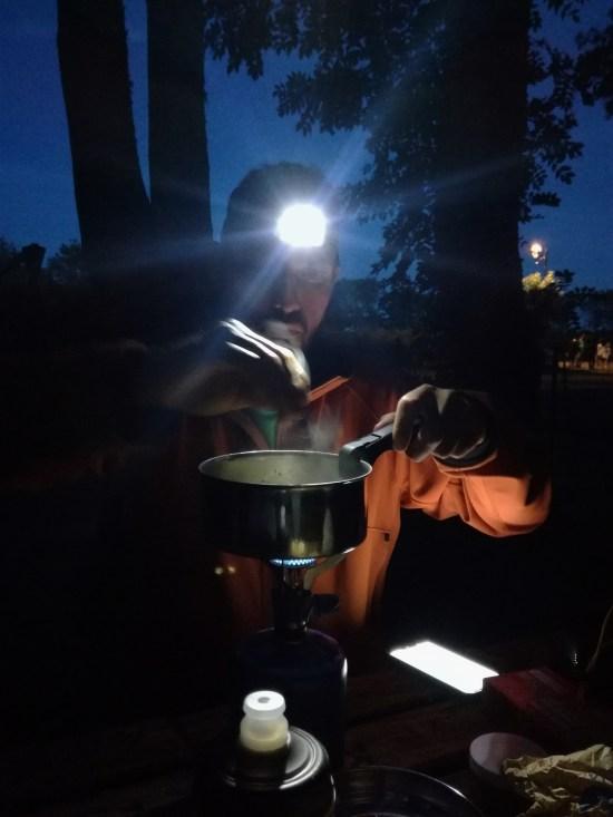 Felipe cuisine popotte réchaud camping voyage vélo