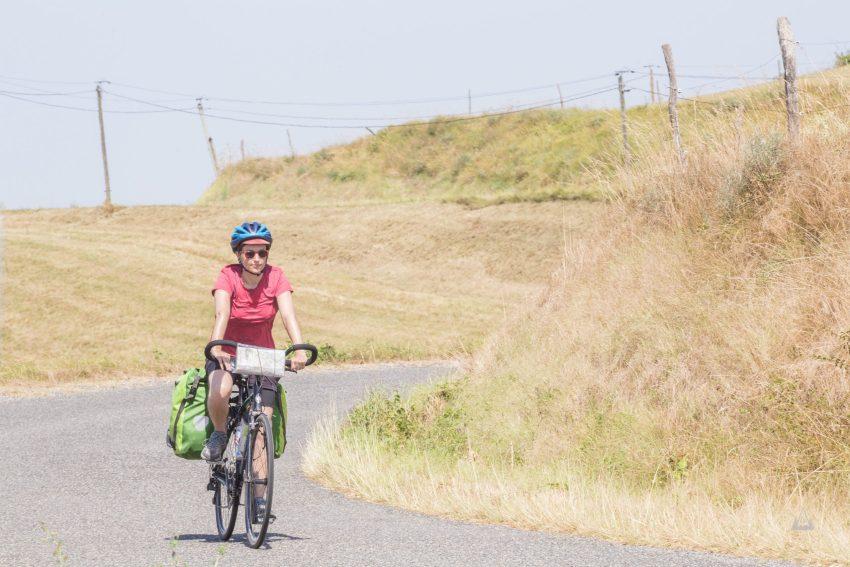 femme voyage à vélo ariège charlene