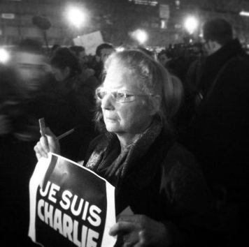 JeSuisCharlie Paris image gathering Republique Wearecharlie(18)