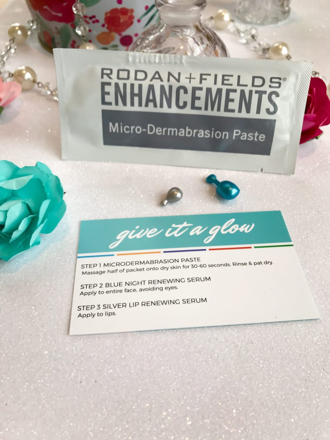 Rodan + Fields Give It a Glow Mini Facial
