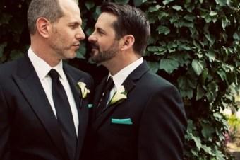 gay-grooms.jpg