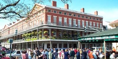 Cafe_du_Monde_New_Orleans.jpg