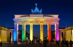 gay-pride-berlin.jpg