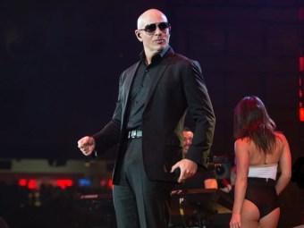 Pitbull-at-Houston-Rodeo_053555.jpg