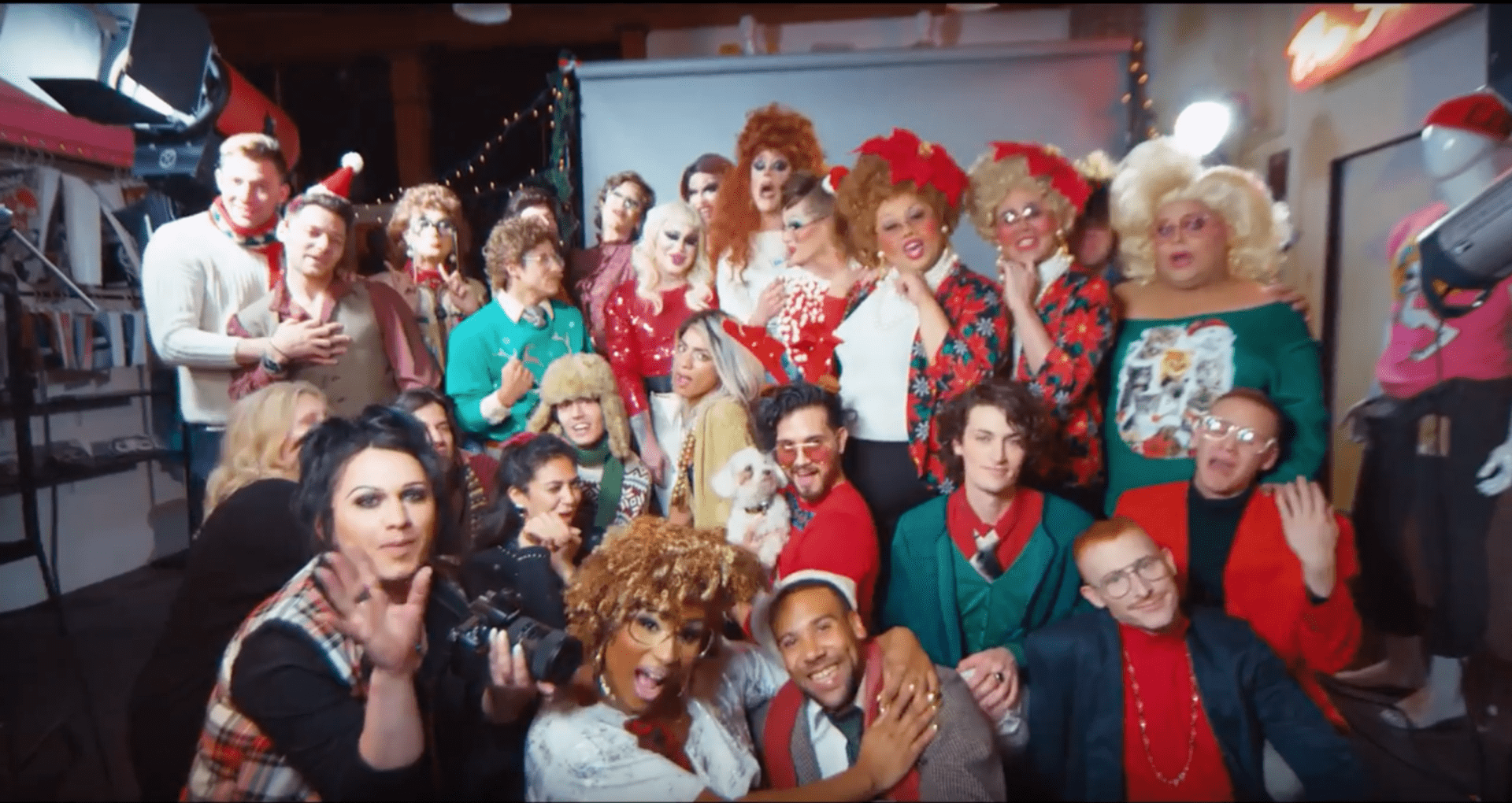 Christmas Queens.Christmas Queens Will Get You In The Holiday Spirit With