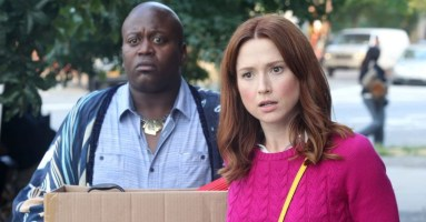 1449690205-ellie-kemper-and-titus-burgess-in-the-unbreakable-kimmy-schmidt-on-netlix-2.jpg