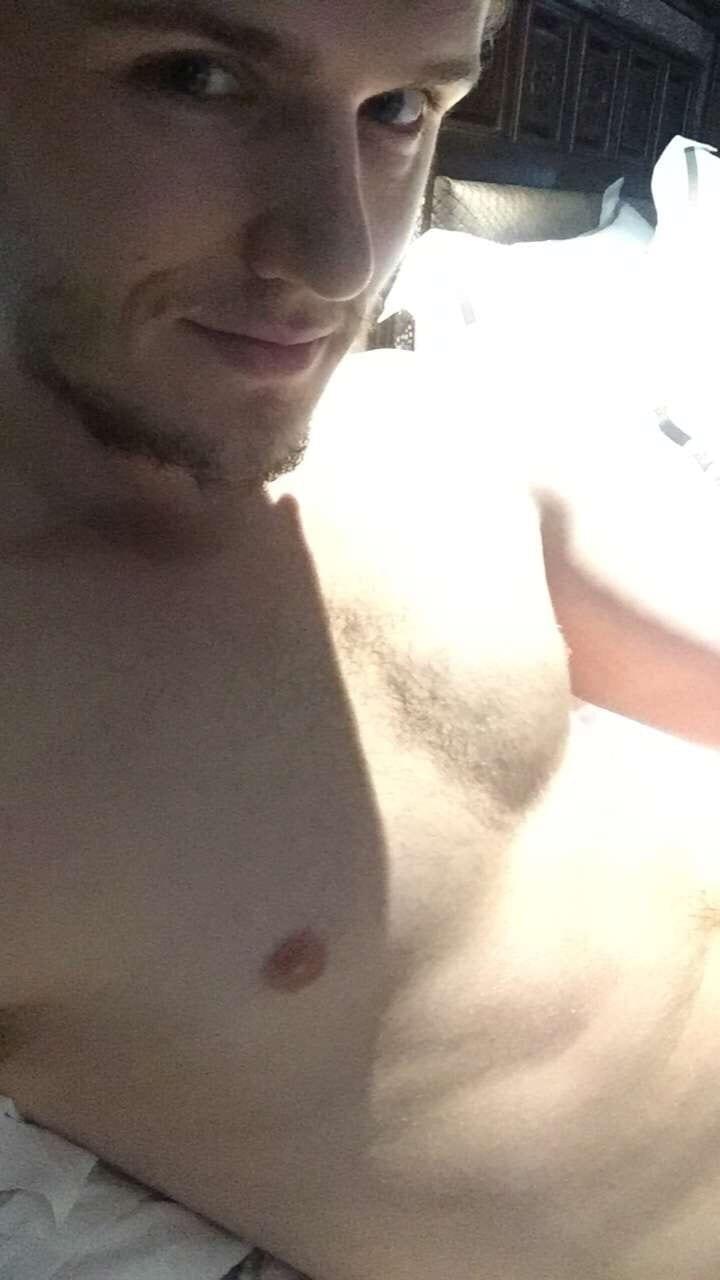 Eugene Simon Naked