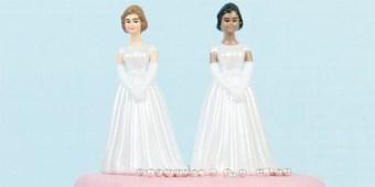 wedding-cake-lesbians-700.jpg