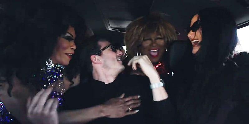 Diana, Tina & Barbra help out (screen capture)