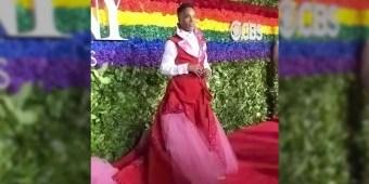 Billy Porter slays on the Tony Awards Red Carpet (screen capture)
