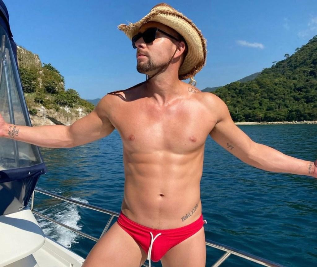 David hernandez naked pictures
