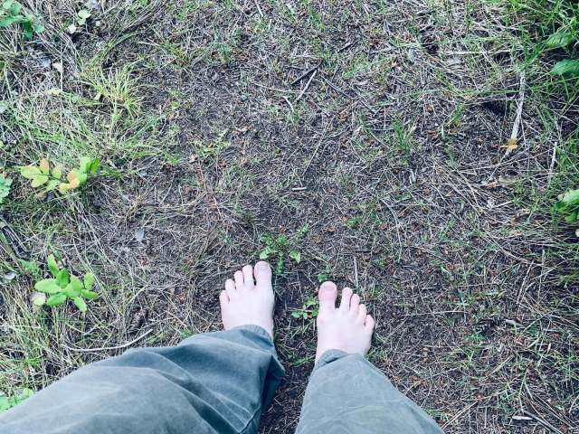 3 Reasons why to go barefoot - Top Down