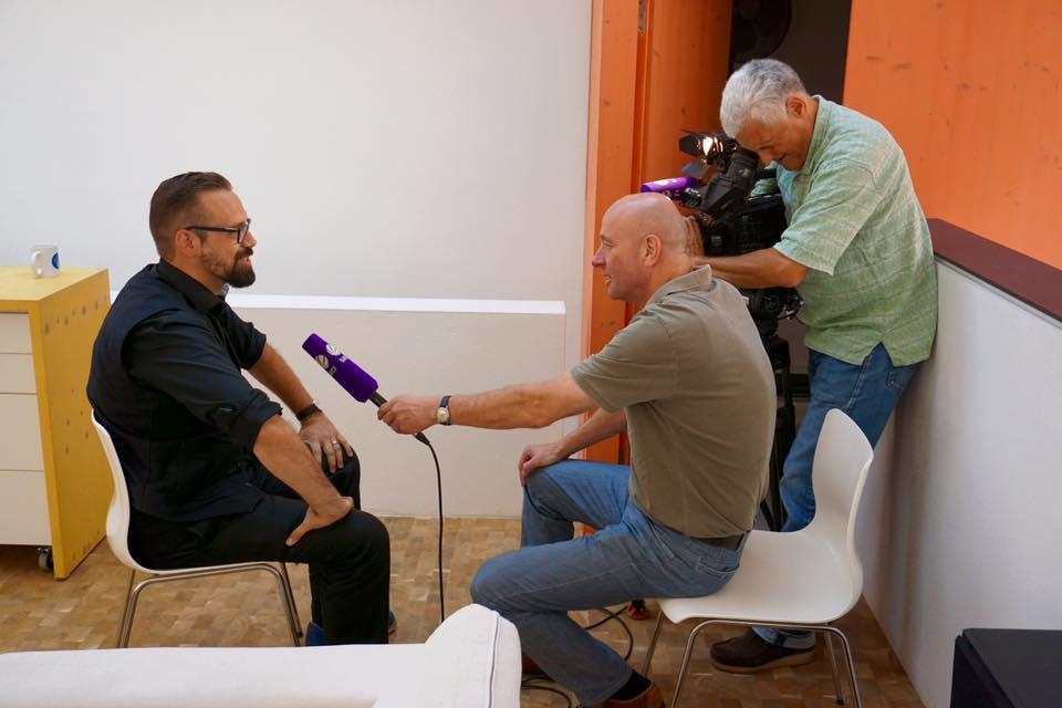 Florian Sochatzy vom Institut für digitales Lernen im Interview mit SAT1