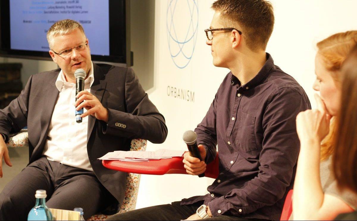 Marcus Ventzke vom Institut für digitales Lernen im Gespräch mit Leander Wattig auf der Frankfurter Buchmesse