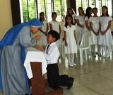 Practicando para recibir a Jesús Sacramentado por 1ra vez.