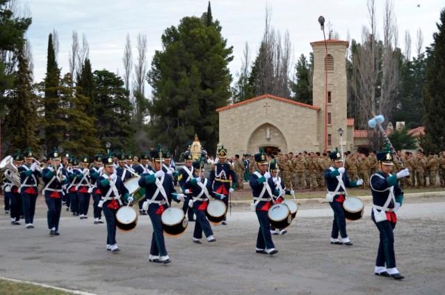 senora-de-la-merced-patrona-y-generala-del-ejercito-argentino-2