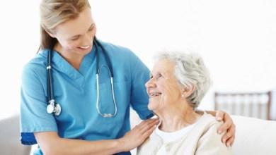 Quais são as atividades oferecidas aos idosos no Centro-Dia