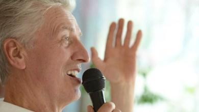 Cantar traz benefícios para pacientes com Doença de Parkinson
