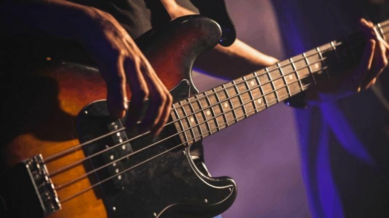 Four Best Bass scales: Guide For Begginner 2021