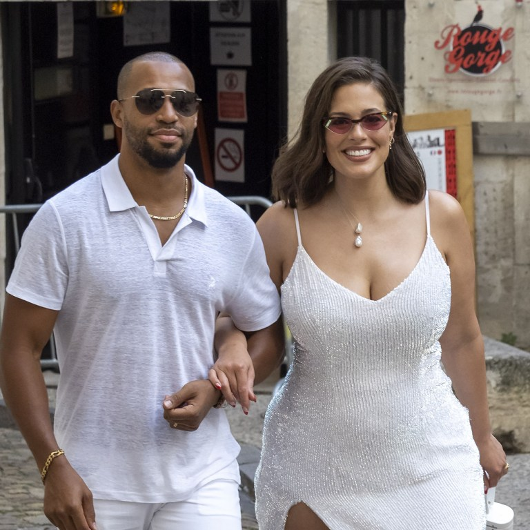 Congrats! La modelo Ashley Graham y su esposo ahora son papás
