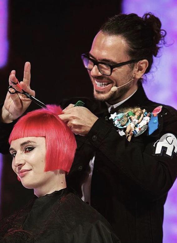¿Cómo saber que es momento te hacerte un corte de pelo? Ricardo Dinis nos platica