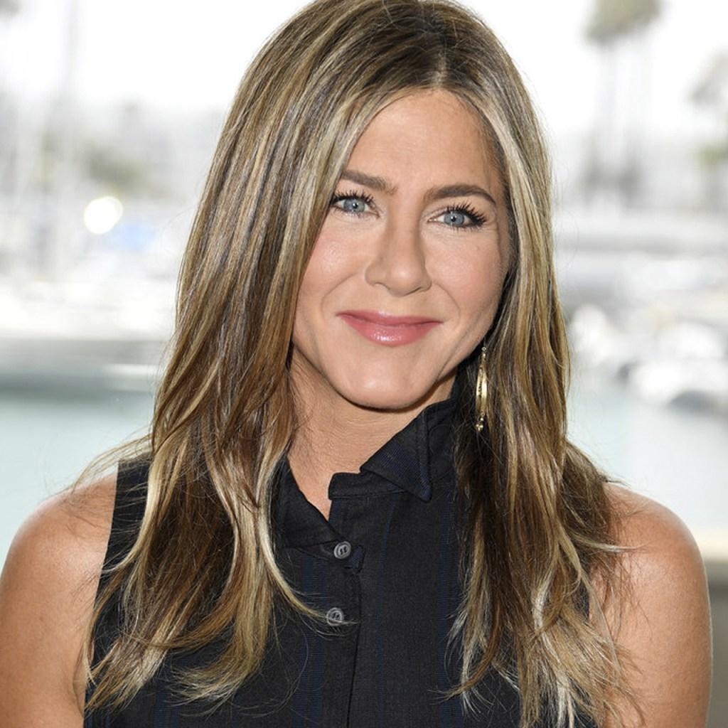 "Jennifer Aniston sigue usando un vestido que le ""robó"" a Mónica de Friends"