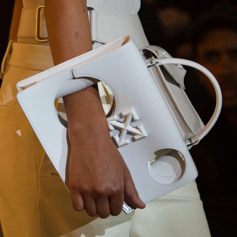 La nueva bolsa de Off White cuesta más de 30 mil pesos (y tiene hoyos)