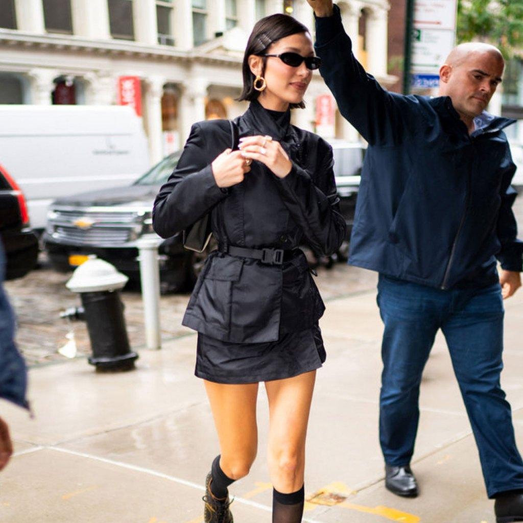 Bella Hadid y Selena Gomez tienen este mismo básico para invierno