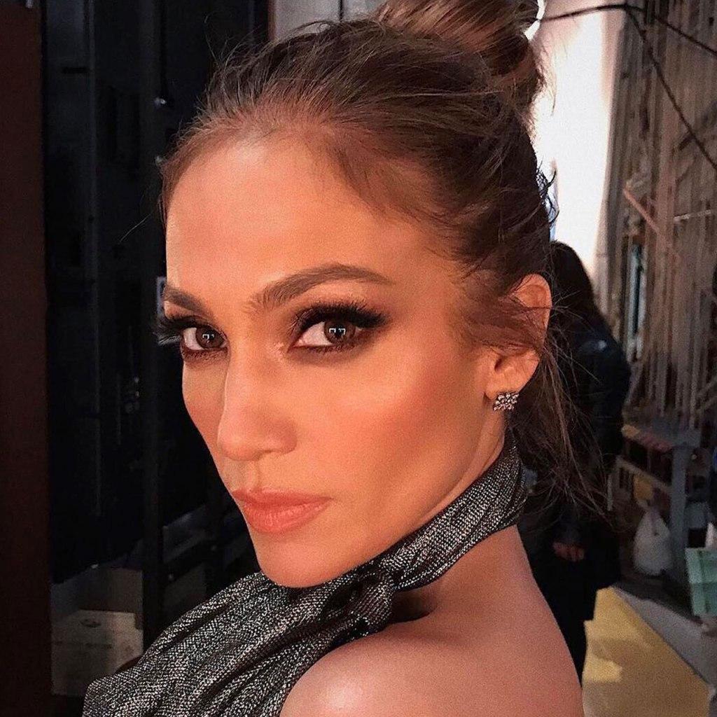 El makeup artist de JLo compartió el error más común de maquillaje