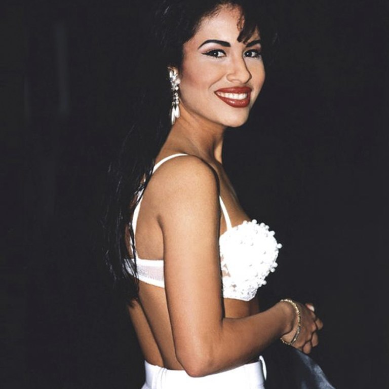 Selena Quintanilla regresa a MAC Cosmetics