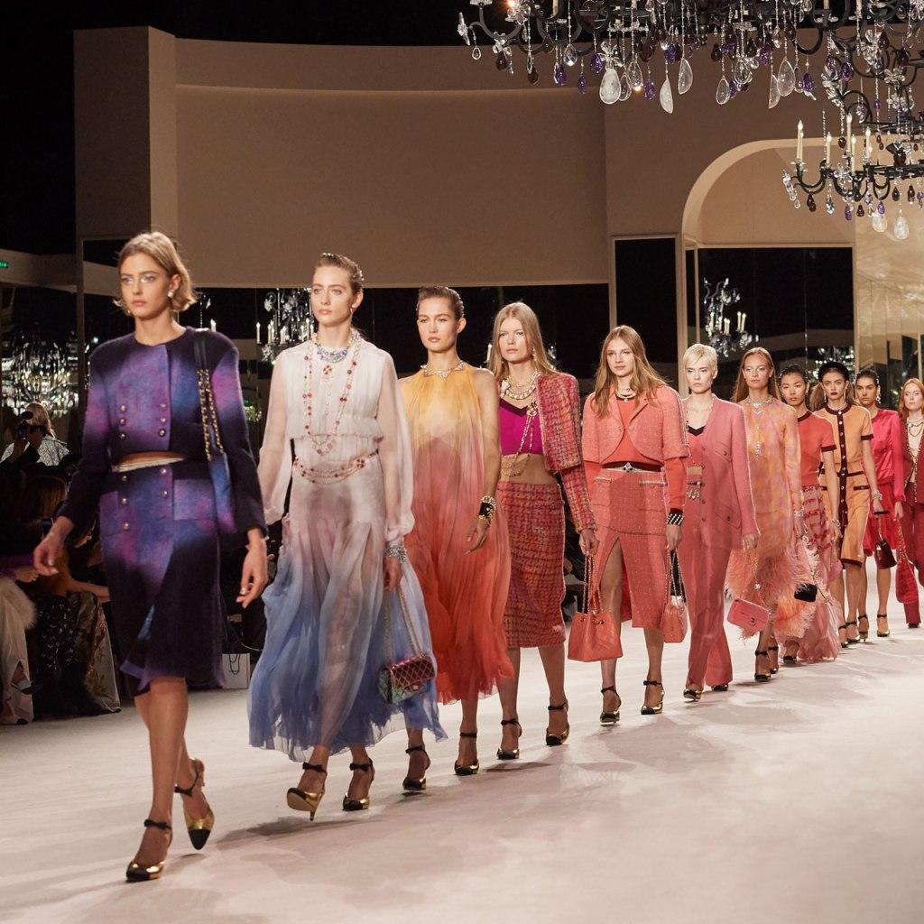 La colección Métiers d'art de Chanel está aquí con los looks más increíbles