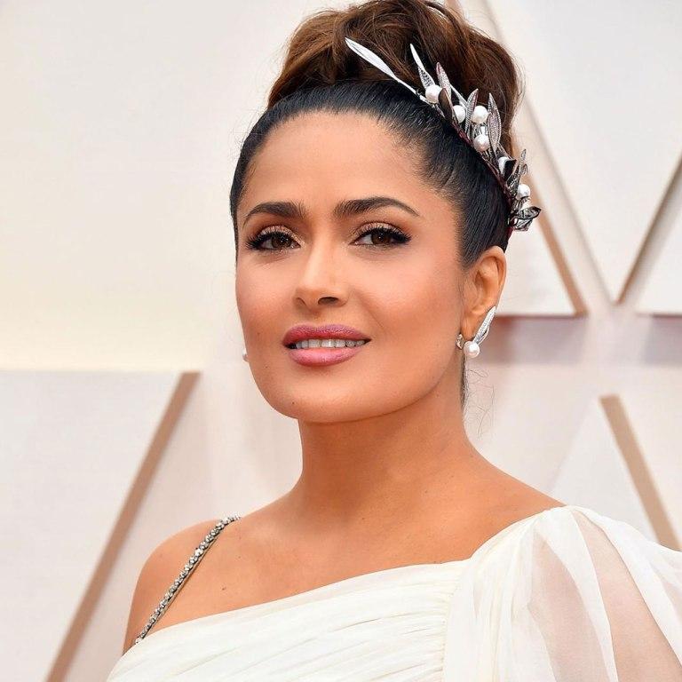 Este es el lipstick mate (que no se corre) y que Salma usó en los Oscar