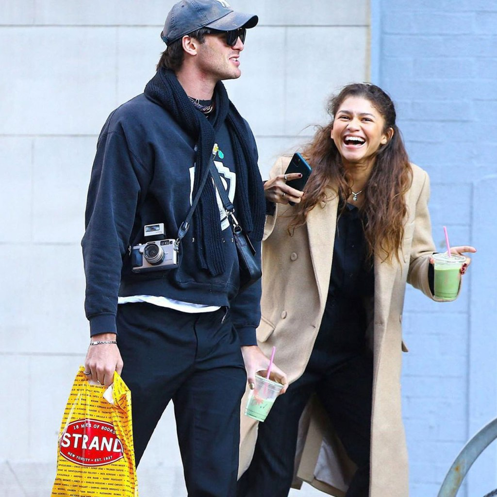 Zendaya y Jacob Elordi pasearon por New York con matching outfits