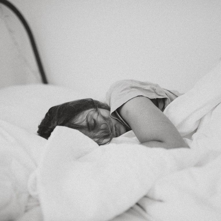 10 beneficios de dormir bien ante el COVID-19