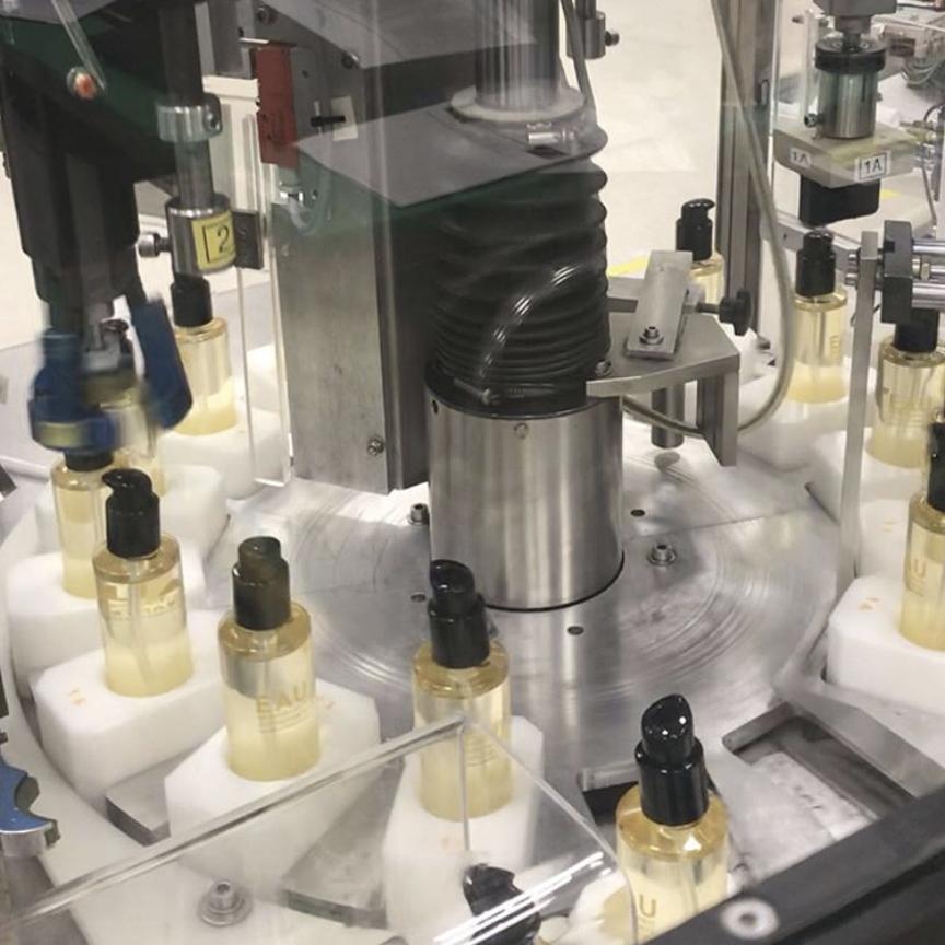Guerlain producirá gel anti-bacterial (y será completamente gratis)