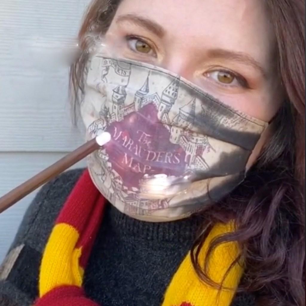 Este tapabocas de Harry Potter revela el Mapa del Merodeador mientras respiras