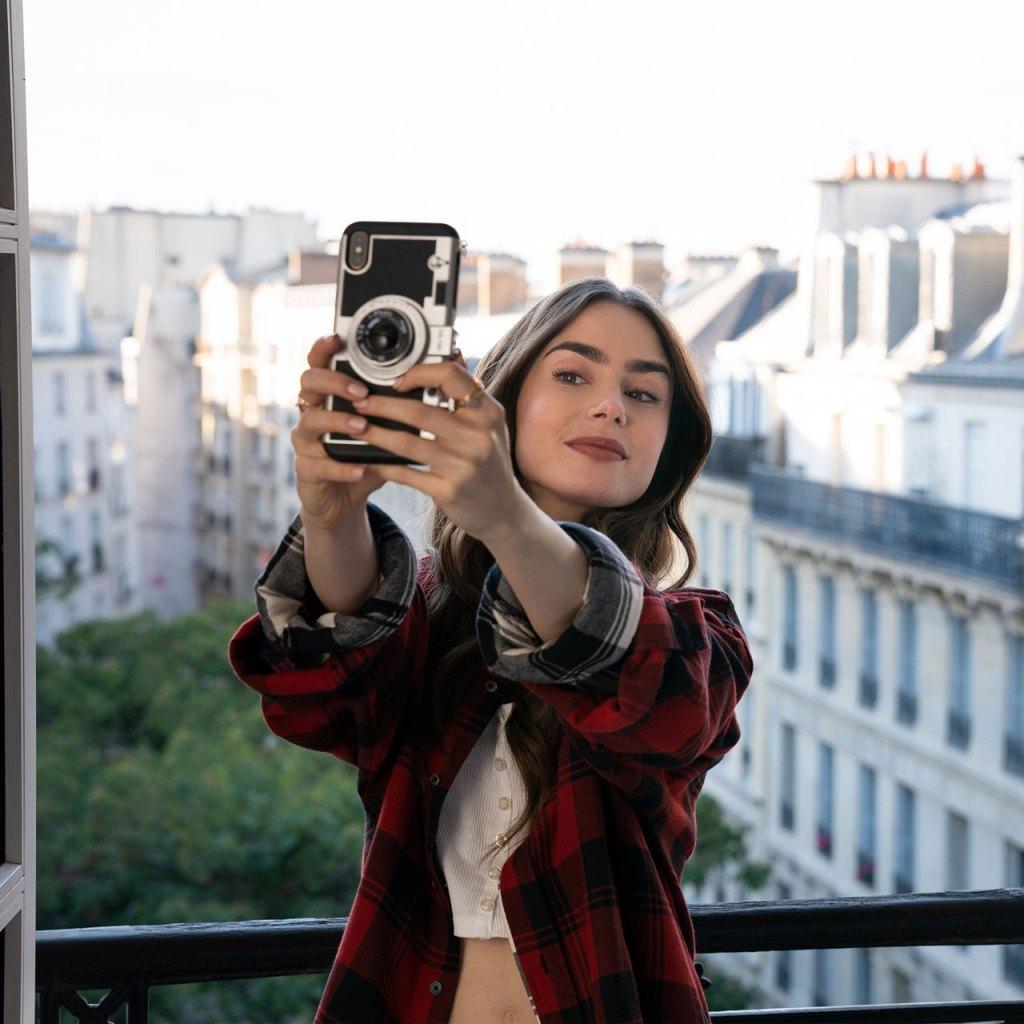 Sí a ti también te gustó el case de celular de 'Emily in Paris' tienes que ver estos
